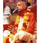 Srila Prabhupada at New Dwaraka, Giving Class