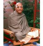 Srila Prabhupada at New Dwaraka Garden, Darshan